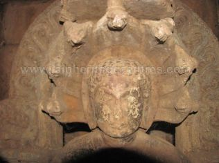 ruined_parshwanath_swamy_temple_makodu_makod_20131018_1989298852