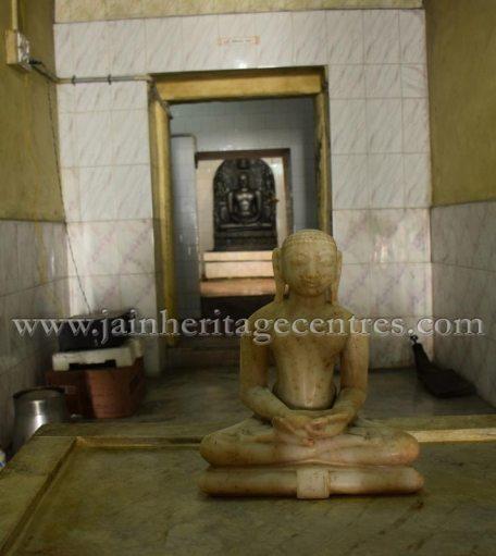 sri_adinath_digambar_jain_temple_at_valathi_20160711_1766624670