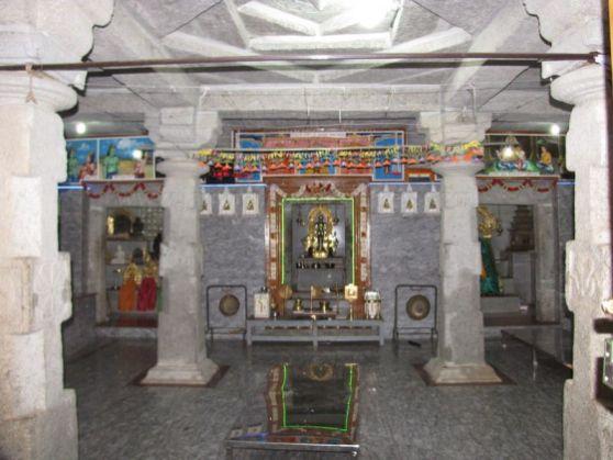 sri_adinatha_swamy_digambar_jain_temple_amarapura_20120522_1645233801