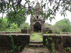 cudnem_jain_ruins_north_goa_20120711_1748850775