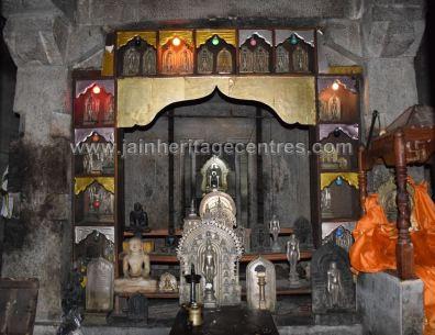 Gandhakuti of Sri Parshwaanth Jain temple.
