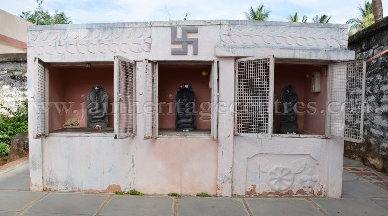 Karnataka_Tumkur_Kuchhangi_Parshwanath_Digambar_Jain_Temple_0009
