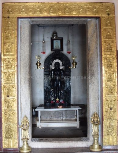 Karnataka_Tumkur_Kuchhangi_Parshwanath_Digambar_Jain_Temple_0016