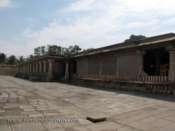 Shravanabelagola-Town-Bhandari-Basadi-Jain-Temple-0008
