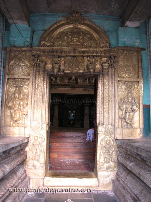 Shravanabelagola-Town-Matada-Basadi-Jain-Temple-0008