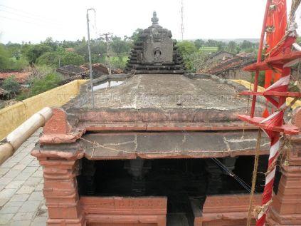 ancient_sri_parshwanatha_swamy_temple_ammanagi_20120907_1308578717