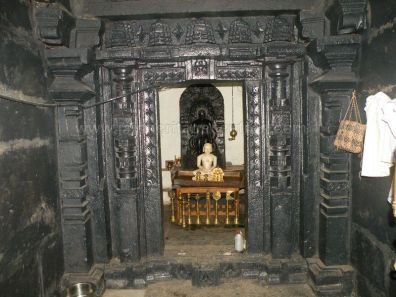 ancient_sri_parshwanatha_swamy_temple_ammanagi_20120907_1560815420