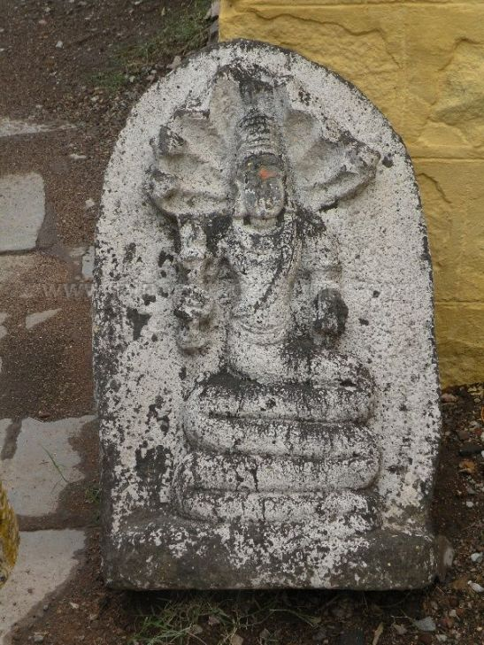 ancient_sri_parshwanatha_swamy_temple_ammanagi_20120907_1844513573