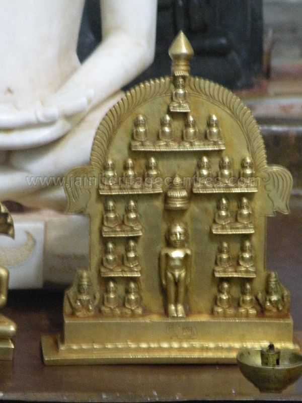 ancient_sri_parshwanatha_swamy_temple_ammanagi_20120907_2078535948