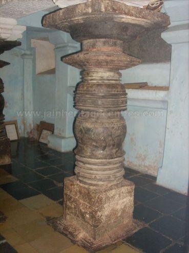 ancient_sri_parshwanatha_swamy_temple_amminabhavi_20120907_1350918166