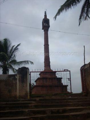 ancient_sri_parshwanatha_swamy_temple_amminabhavi_20120907_1872649656