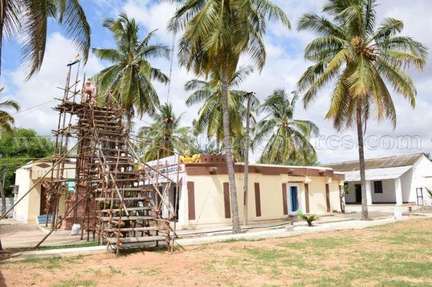 sri_chandraprabhu_swamy_digambar_jain_temple_-_tovinakere_20160515_1786685765