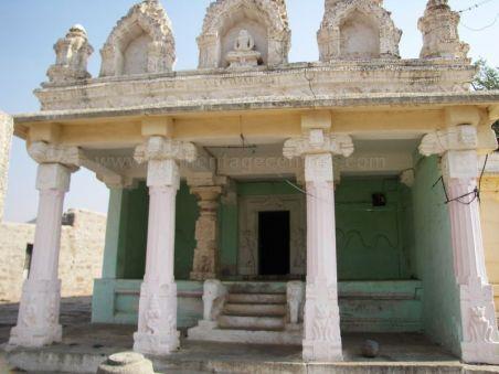 sri_kashtaharana_parshwanatha_swamy_digambar_jain_temple_-_nidugal_20120419_1436092368