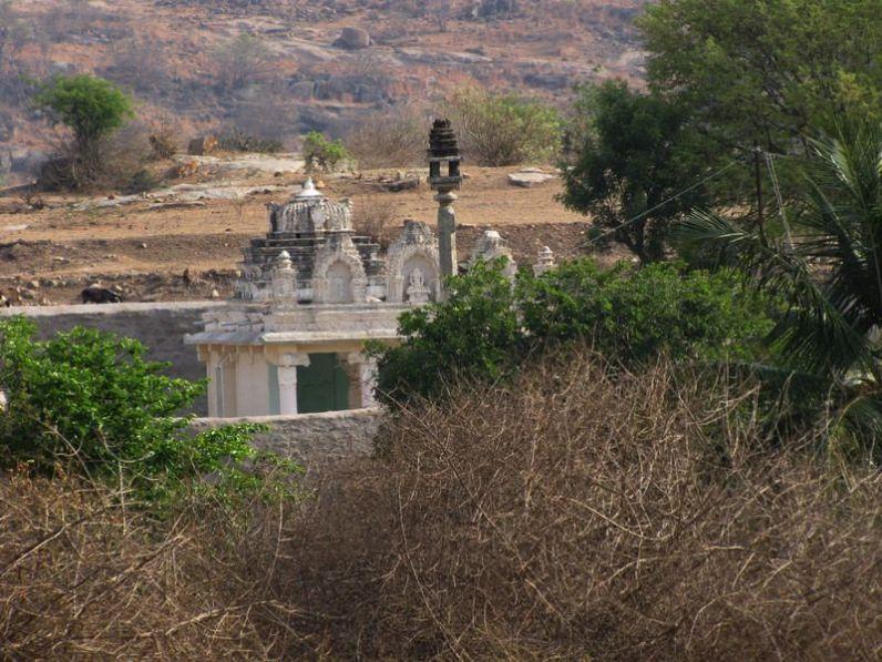 sri_kashtaharana_parshwanatha_swamy_digambar_jain_temple_-_nidugal_20120419_1596667877