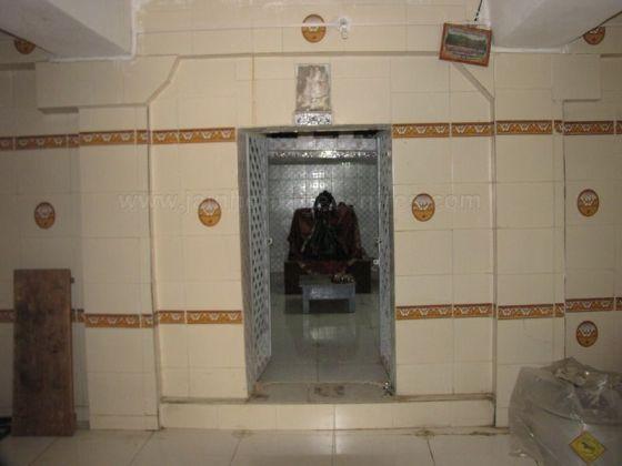 sri_kashtaharana_parshwanatha_swamy_digambar_jain_temple_-_nidugal_20120419_2039320138