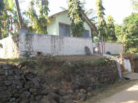 sri_parshwanath_swamy_digambar_jain_basadi_-_kalkanduru_-_karnataka_20160515_1675474978