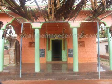 sri_parshwanath_swamy_digambar_jain_basadi_hatna_karnataka_20140629_1677636473