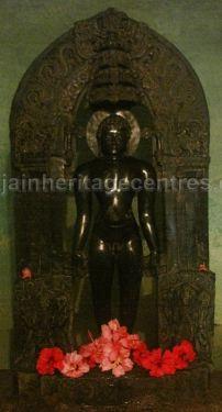 sri_shanthinath_and_anathanath_swamy_digambar_jain_temple_-_kandikere_20160515_1163644810