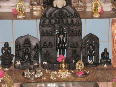 sri_shantinath_swamy_digambar_jain_temple_bidugalu_20130218_1602576379