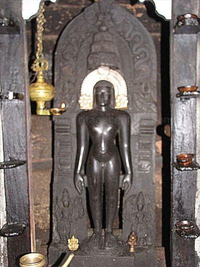 sri_vardhaman_swamy_digambar_jain_temple_bolagramasri_v_20120805_2069327342