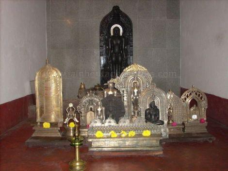 digambar_jain_temple_belthangady_20120521_1701827036