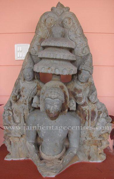 ruined_jain_tirthankar_idols_at_state_archaeology_museum_-_mysore_20160628_1212869956