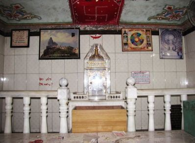shri_parshwanath_digambar_jain_temple_-_vahalna_20120419_1343214017