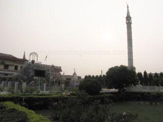 shri_parshwanath_digambar_jain_temple_-_vahalna_20120419_1612236255