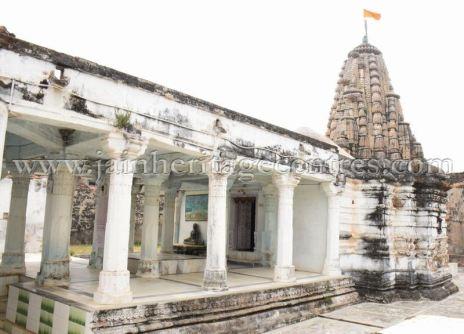 sri_adinath_swamy_digambar_jain_temple_at_jawas_20160813_1287498289