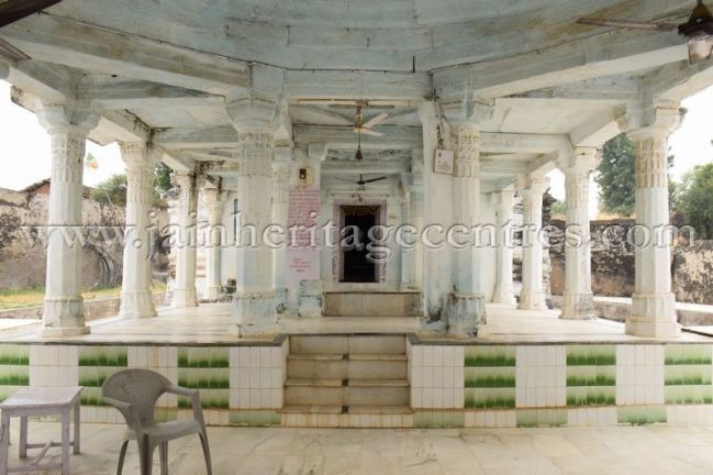 sri_adinath_swamy_digambar_jain_temple_at_jawas_20160813_1699067102