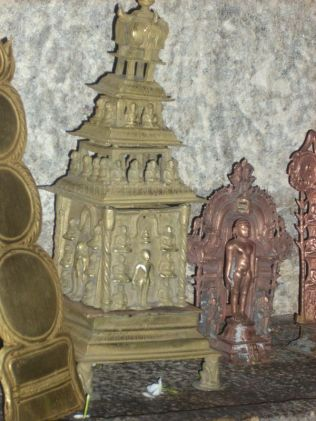 sri_adinatha_swamy_digambar_jain_temple_harave_20120612_1351598322
