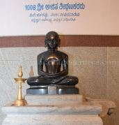 sri_parshwanath_digambar_jain_temple_-_chikkanakodige_-_karnataka_20160515_1154600488
