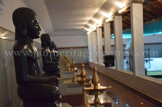 sri_parshwanath_digambar_jain_temple_-_chikkanakodige_-_karnataka_20160515_1382618289