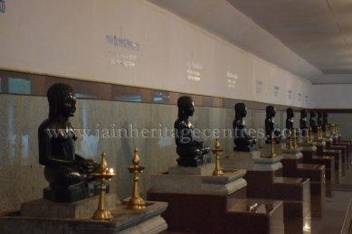 sri_parshwanath_digambar_jain_temple_-_chikkanakodige_-_karnataka_20160515_1921088627