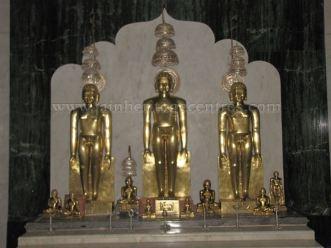 sri_shanthinath_swamy_digambar_jain_temple_-_halasasi_20160515_2053139011