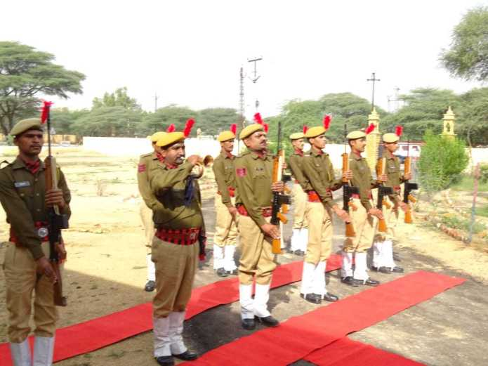 प्रभारी जोधपुर रेंज अतिरिक्त महानिदेशक पुलिस, सिविल राईट्स एवं एएचटी, राजस्थान, जयपुर द्वारा जिला जैसलमेर का विजिट 1