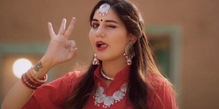Sapna Chaudhary Dance On Renuka Panwar's Chatak Matak Song