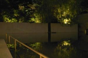 水面に浮かぶステージ