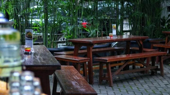 jajanbeken instagram patio venue