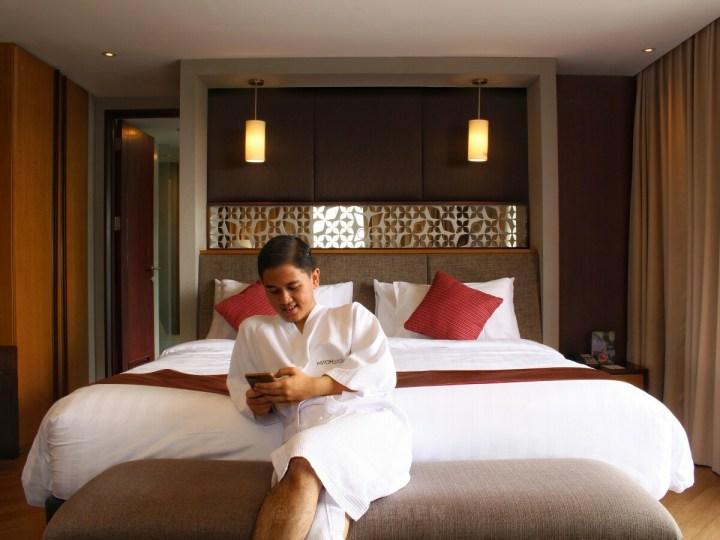 jajanbeken best hotel near golf sentul