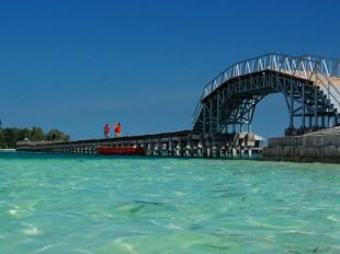 Jembatan Cinta pulau Tidung, Kepulauan Seribu - Jakarta