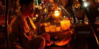 Kerak telor khas betawi, Jakarta.
