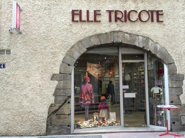 Jakecii - Lyon - Elle tricote (5)