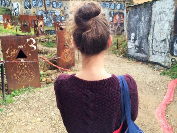 Jakecii Hawser - Haut du pull - Le temple protestant de la Demeure du Chaos
