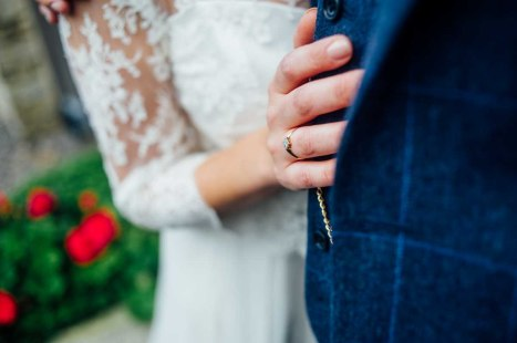 kingscote-barn-wedding-photography-82