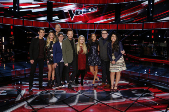 """The Voice: Season Nine"" Top Nine pose for a photo before meeting Dolly Parton. (Photo property of NBC's Trae Patton)"