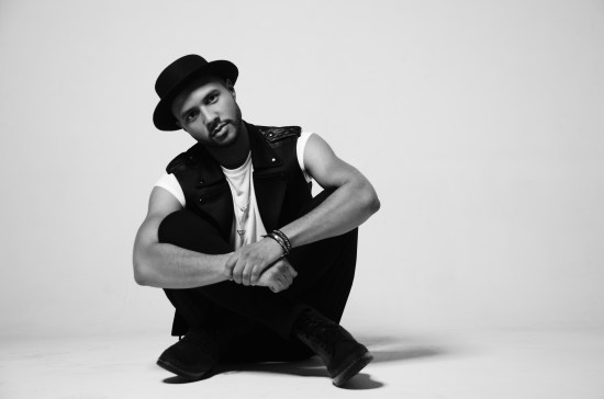 """Singer-songwriter Rayvon Owen reflected on his """"American Idol"""" run and moving single: """"Can't Fight It"""" in this edition of """"A Conversation."""" (Photo courtesy of Effective Immediately PR)"""