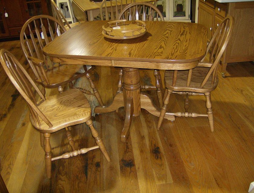 Jakes Amish Furniture Single C Pedestal Table 36 X 48