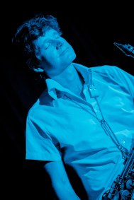 dino_blue&white_lr_6