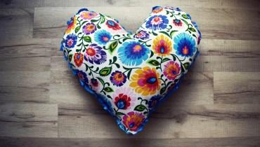 Poduszka-serce dla zakochanych i nie tylko